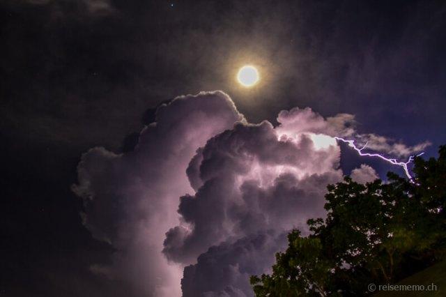 Moon Stars Thunderstorm Shangri La Cebu