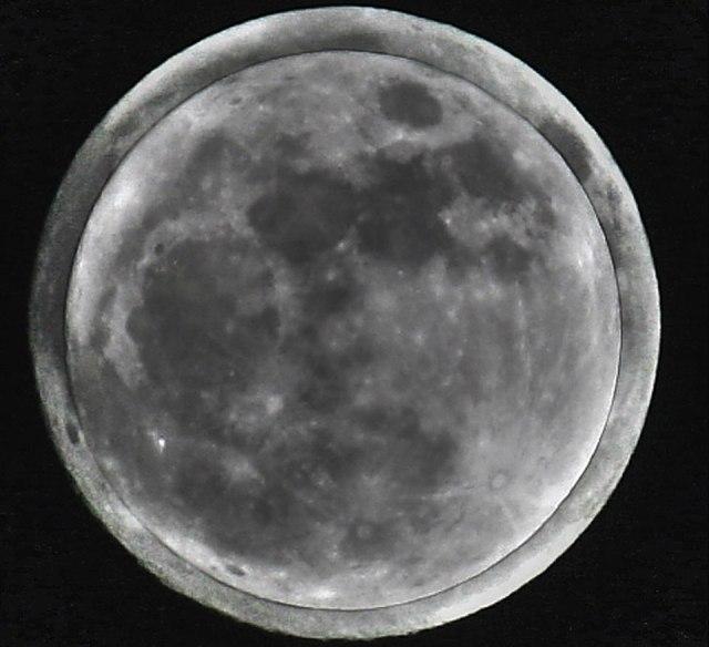 Micro Moon over Super Moon (Stefano Sciarpetti)