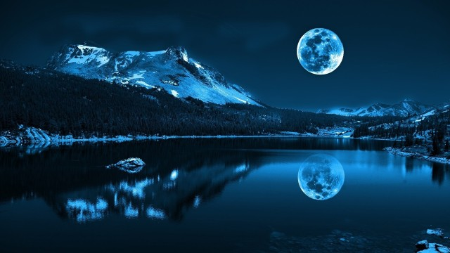 Moon Reflecting in Alaskan Lake (faxo.com)