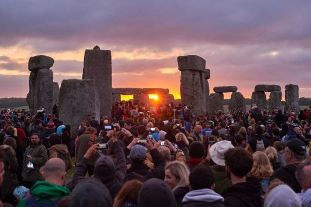 Stonehenge ~ June 21, 2015 (abc.net.au)